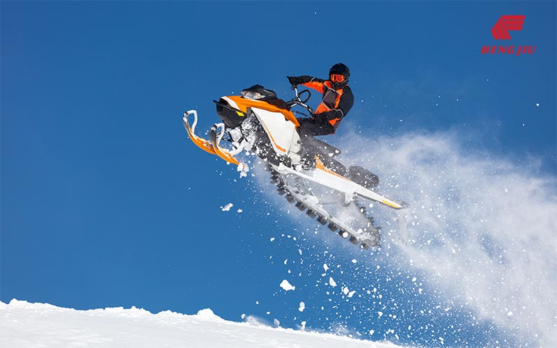 雪地摩托车